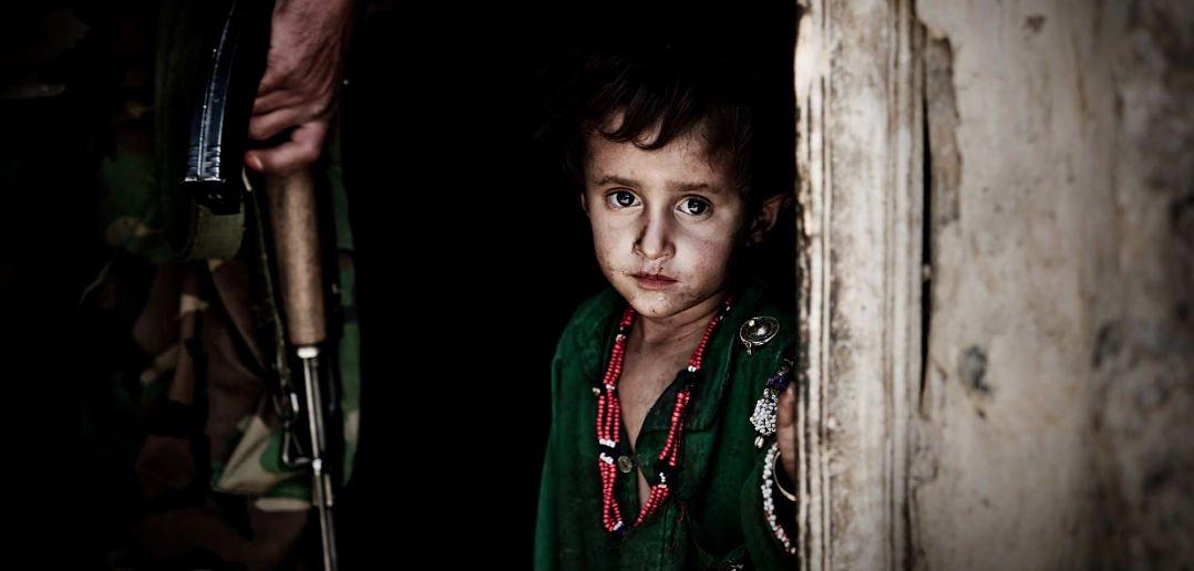 युद्ध और बच्चे : उषा दशोरा