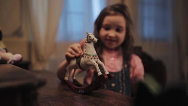 लकड़ी का घोड़ा : आयशा आरफीन