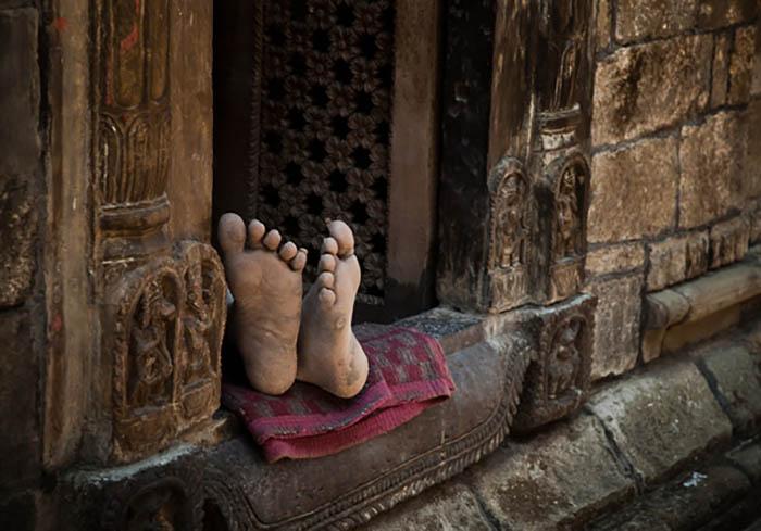 पिता, रोटी और घर : शालिनी मोहन