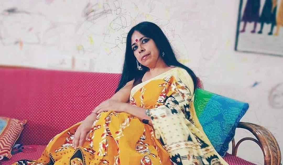 नबीना दास की कविता चूम रहे हैं वे, अनुवाद : राजेश कुमार झा