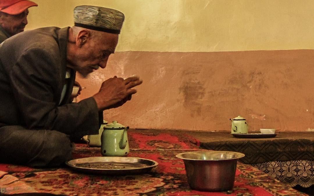 ईरानी कहानी इंतजार : सईद यवाकोल
