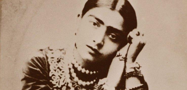 गौहर जान का जमाना : मनीष कुमार मिश्रा / उषा आलोक दुबे